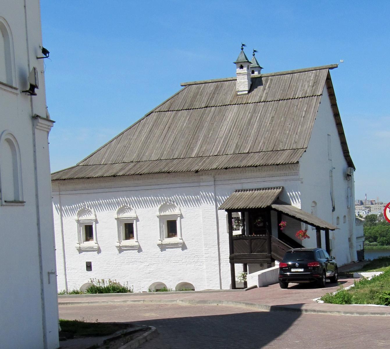 на территории Благовещенского мужского монастыря